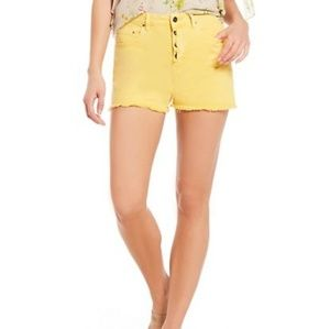 "🦓""a loves a"" Yellow High Waisted Shorts"